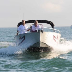 bateau open coque en aluminium