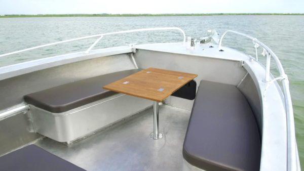 cockpit avant bateau insubmersible en aluminium